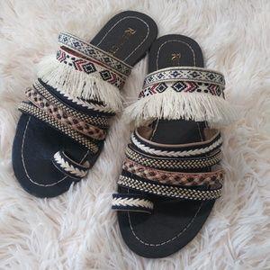 🌟3/$25🌟 Restricted boho sandals size 6